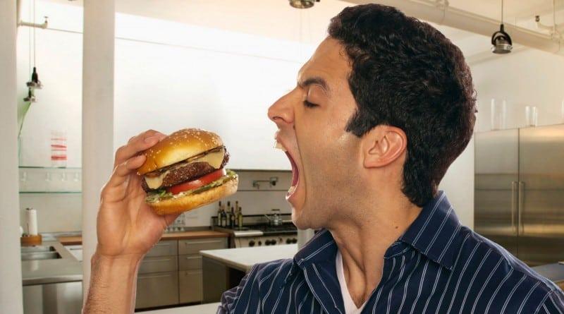 10 trucchi per non farsi tentare dal cibo